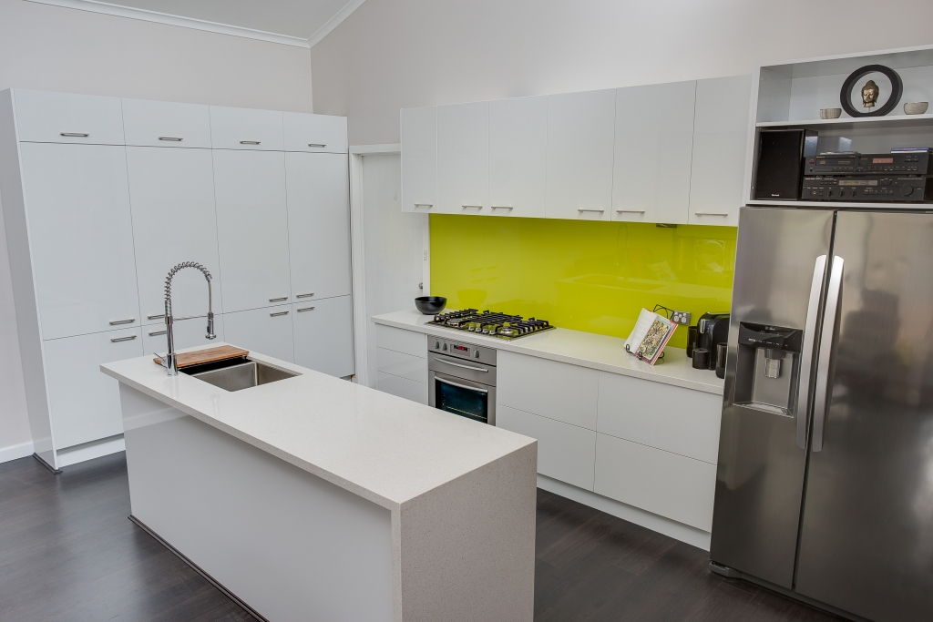 Zesta White Gloss Kitchen