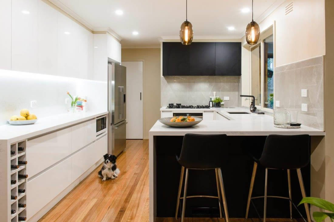 Glen Waverley kitchen renovation black and white kitchen
