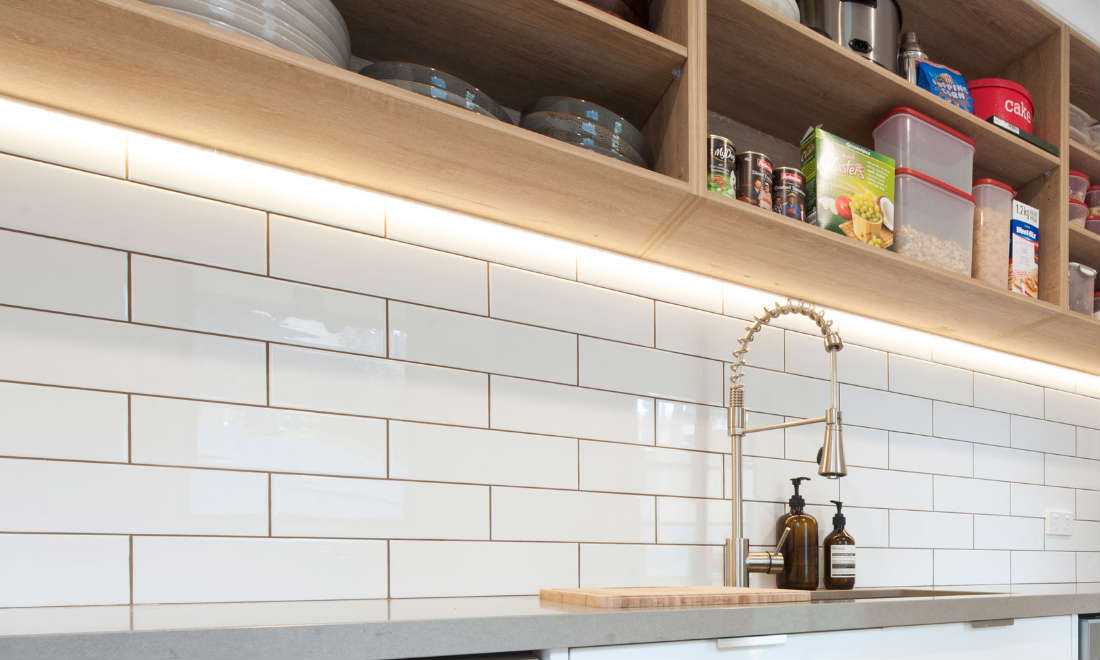 The Benefits Of Open Shelving In The Kitchen: Kitchen Overhead Cabinets Versus Open Shelving